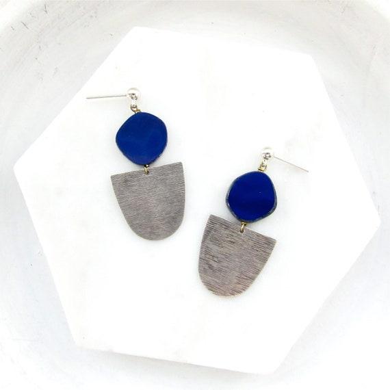 Silver Paddle Stud Earrings > Navy