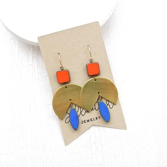 Tulip Earrings > Coral