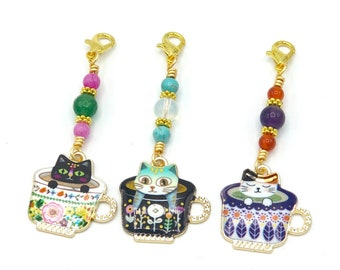 Cat stitch marker for knitting or crochet, snagless progress keeper, charm zipper pull, knitting accesories and notions gifts for knitters