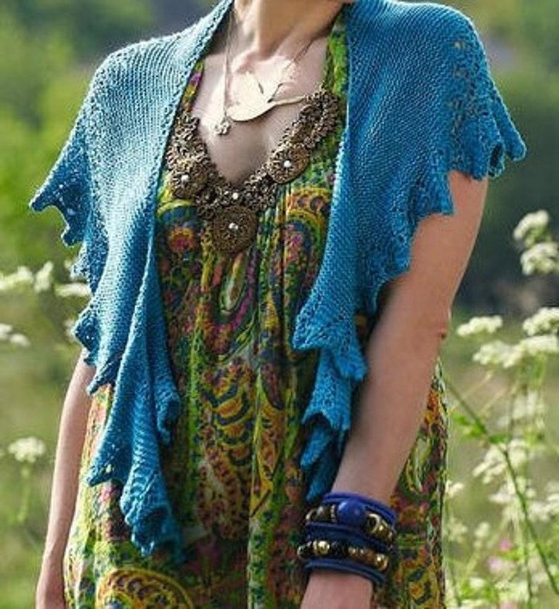 Lace shawl knit pattern reversible garter stitch shawl image 0