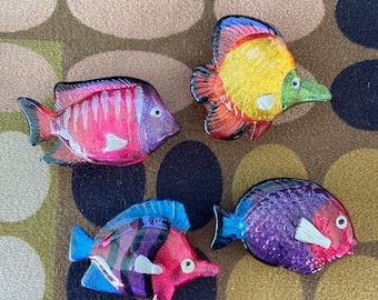 """6 HANDPAINTED BLUE FISH  /""""NONY/"""" NY BUTTON COVERS T118"""