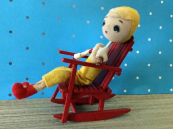 Vintage poupée jetables pliable en pantacourt jaune, jaune rouge et chapeau chaussures - comme c'est