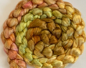 Hand Dyed Mulberry gradient silk roving 2oz Ready to ship