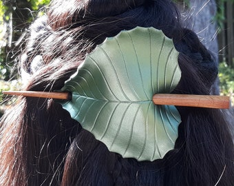 Olive green birch leaf barrette for long hair. Leather hair slide with wooden hairstick. Bohemian style hair accessory, MADE TO ORDER