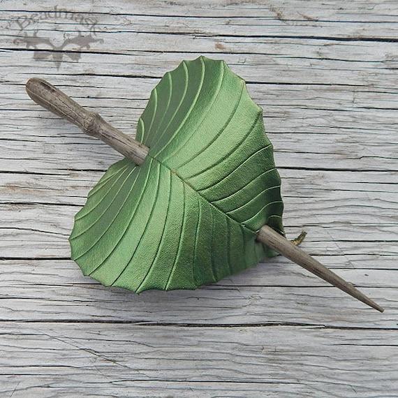 Barette Crocodile leather leaves
