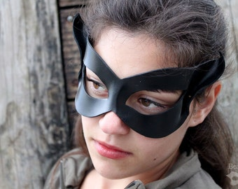 Little Black Cat Leather Mask - IN STOCK - Catwoman Cosplay, Superhero Costume for LARP, Halloween, Con