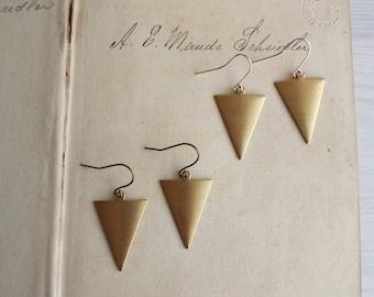 Raw Brass Triangles earrings - golden brass arrows with silver - geometric jewellery - nickel free