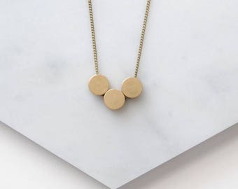 Three Circles Minimal Necklace For Girlfriends. Three Friends. 3 Children Gift For Mom. Geometric Circle Long Layering Necklace For Sisters.