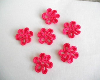 Crochet flower appliques - in hot pink fuchsia - 6 petals loopy flower