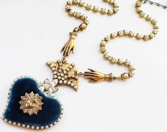 Ex voto necklace, sacred heart pendant, catholic jewelry, velvet heart, pearl necklace, crystal jewelry, Catholic pendant, French Catholic