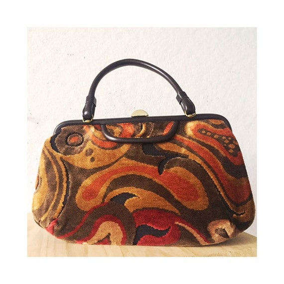 Tapestry bag / 1950's handbag covered in Tapestry