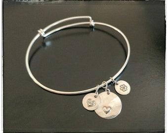 Personalized charmed bracelet