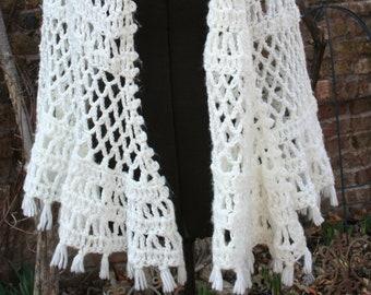 White shawl / grandma shawl / hippie shawl / boho shawl / knit shawl / crochet shawl / woven shawl / poncho