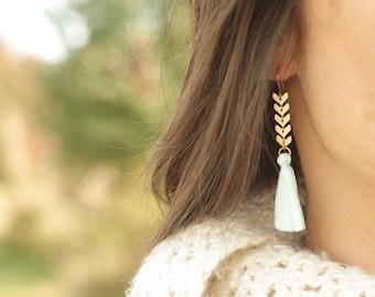 White Tassel and Gold Dangle Earrings, Tassel Jewelry, Gold Dangle Earings, White Tassel Earrings, gold arrow earrings, gift for her