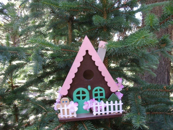 Hand painted birdhouse  Pink and brown birdhouse, birdhouse fenced with flowers, wood birdhouse, indoor outdoor birdhouse, yard decoration