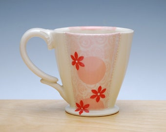 Floral Deluxe Clover cup in Ivory, Pink, & Red