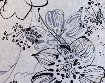 Junko Matsuda Flower Sketch Japanese cotton fabric 11-0008-3-A white