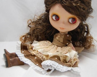 Set of 2 Piece Brown Lacey Dress for Blythe and Pullip Dolls