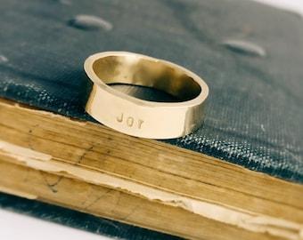 Engraved 14K Gold Band, Rustic Gold Mens Wedding Ring, Mens Stylish Gold Ring, Size 10 Mens Ring