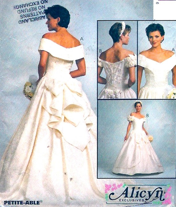 Brides Wedding dress Romantic gown sewing pattern McCalls 8052 | Etsy