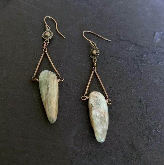 Kyanite Earrings, Green Kyanite, Rustic Earrings, Triangle Earrings, Dangle Gemstone, Stone Drop, Light Green Brown Earrings, Raw Stone