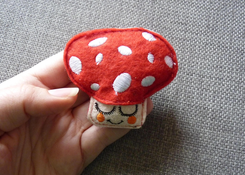 Mushroom felt pin