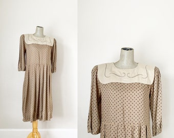 1990s Taupe Collared Tiny Print Dress (Size 7/8 Women)