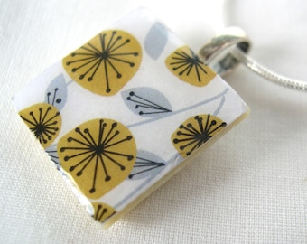Unique and Unusual folk inspired flower pattern scandinavian beige Retro Print Crafted Ceramic resin Necklace pendant gift