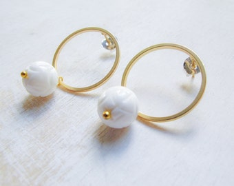Mother of pearl natural stone gold hoops, white flower dangle earrings, carved shell flower earrings, bridal party jewelry, nature inspired