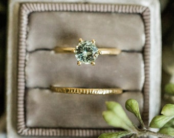 Solitaire green tourmaline womens ring in 10k yellow gold