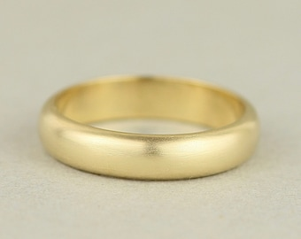 3c1285616 18ct Yellow Gold Mens Wedding Band. 4mm Wide Plain D Shape Domed Wedding  Ring