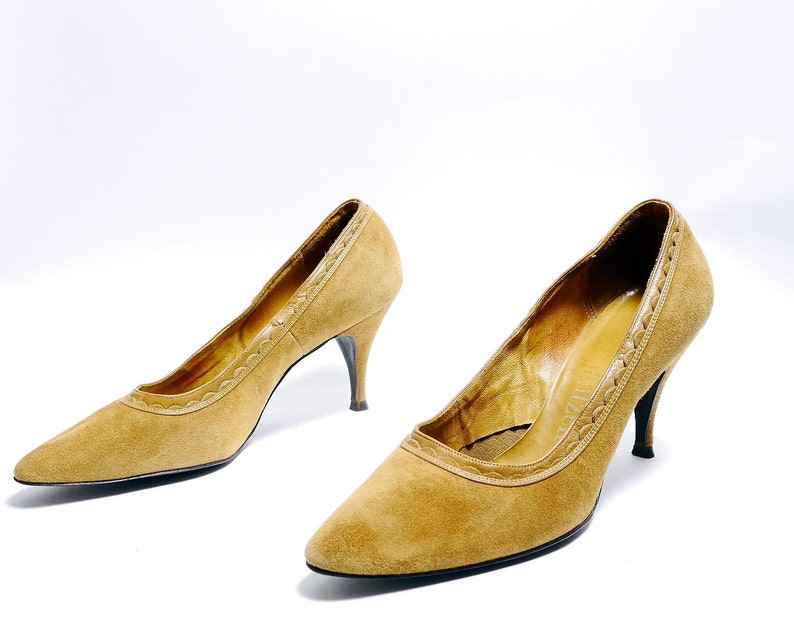 ac0f81cbdf8 Vintage Suede Mustard Yellow High Heels   60s Pointed Toe