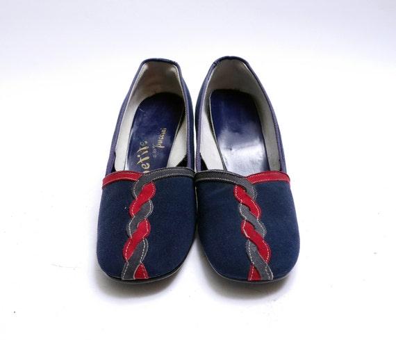 Size 6.5 7 Vintage Navy Blue Suede Pumps// Woven D