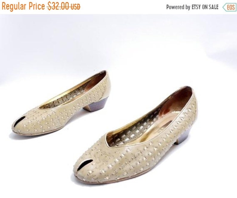 47f362d040c2e On Sale Size 7 1/2B// Vintage 80s Peep Toe Woven Khaki Leather Shoes//  Khaki Tan Low Heels // Made in Brazil Loafers// 109