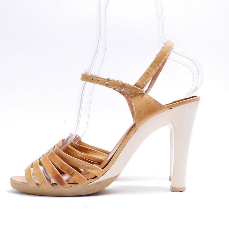 614ec69066212 Size 8 1/2M // Vintage Made in Spain Light Brown Strappy Sandals// Women  Slingback Shoes// 109