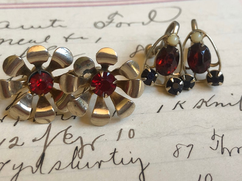 Garnet n Gold Earrings Flower Gold Vintage 2 Pairs Clip gift image 0