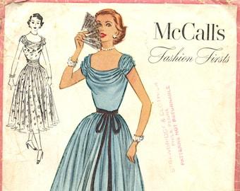 e5441bb7794 Vintage des années 1950 McCall mode premières soirée robe formelle Dress  pattern-taille 16 buste 34-McCall 9358-patron de couture vintage 1950s 50s