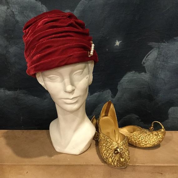 Vintage 1950s Red Velvet Turban Cloche Hat