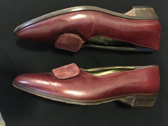 Vintage 1980's Burgundy Glacee Flats Size 7 with S