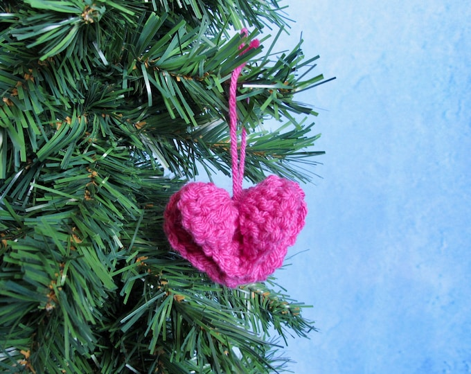 Circle of Hearts Ornament Crochet Pattern - Crocheted Ornament - Crochet Heart - Crochet Heart Ornament - 3D Crochet - PDF Crochet Pattern
