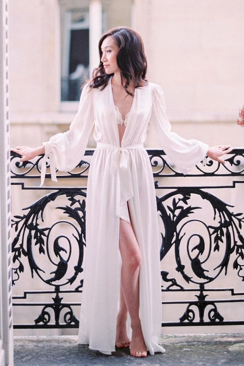 White silk floor-length robe 100% silk peignoir bridal  bf790bbbd