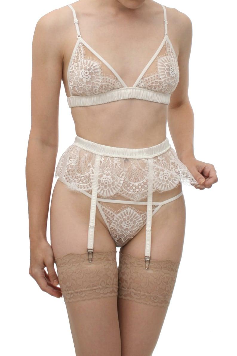 8ee936b735e Giselle suspenders ruffled white lace garter suspender belt