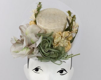 size largeSpring beret Ivory straw blocked beret with large silk flower