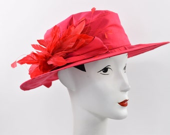 5bc5589903819 Red silk 1920 s art deco styled large brim hat with feathers