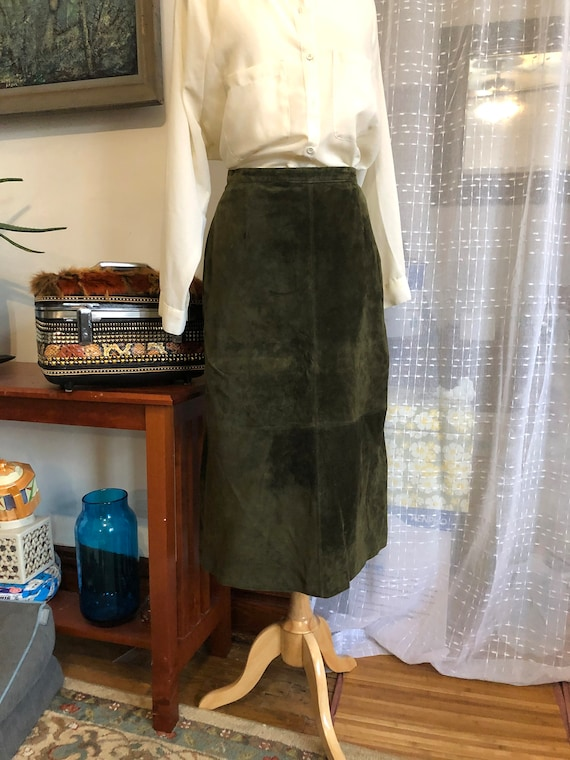Suede Skirt//Size 10//Brandon Thomas//Green suede