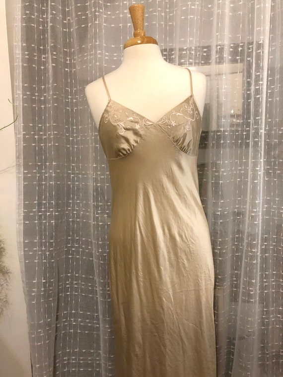 Silk Nightgown//Size M//Sheer Lace Back// Valerie