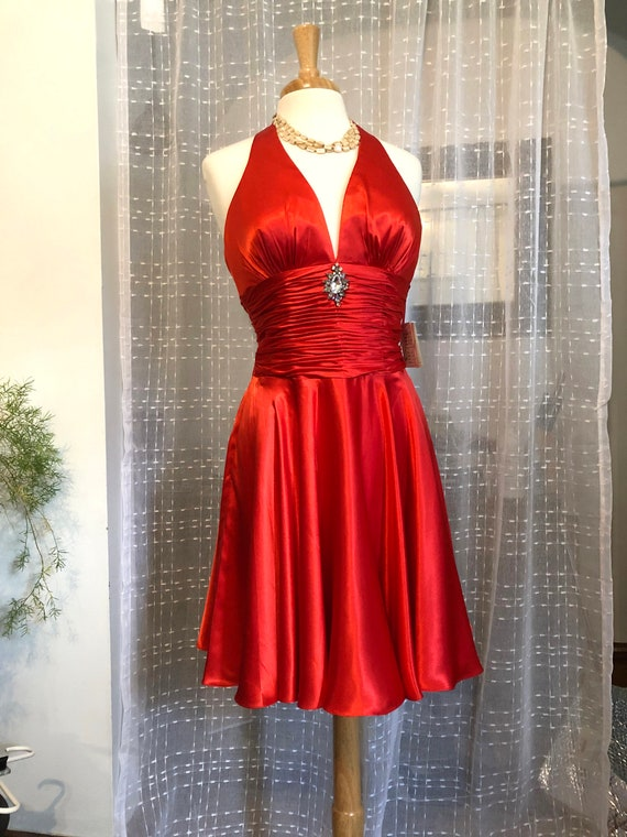 Red Halter Dress// Size 8//Mini Dress//Red Formal