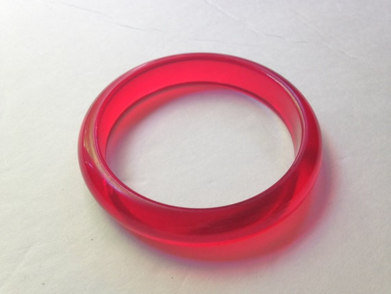 Red Prystal Bakelite //Red Bakelite // Cherry Bake
