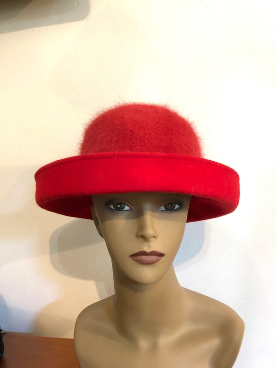 Red Hat//Size L//Red Wool With Angora Fur Hat//Wom