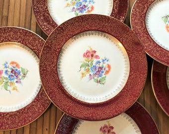 6//Homer Laughlin Dinner plates//22kt gold filigree plate//Burgundy Border W/ gold filigree//1940//D 40 N5//floral bouquet//Newell WV Plant